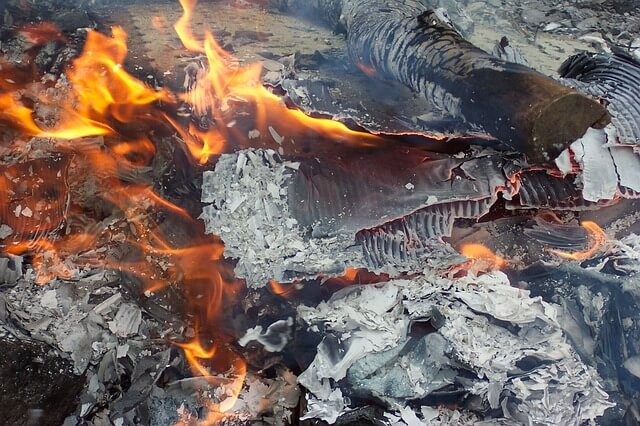 Zagrożenie pożarowe przed ogniem i zgliszczami